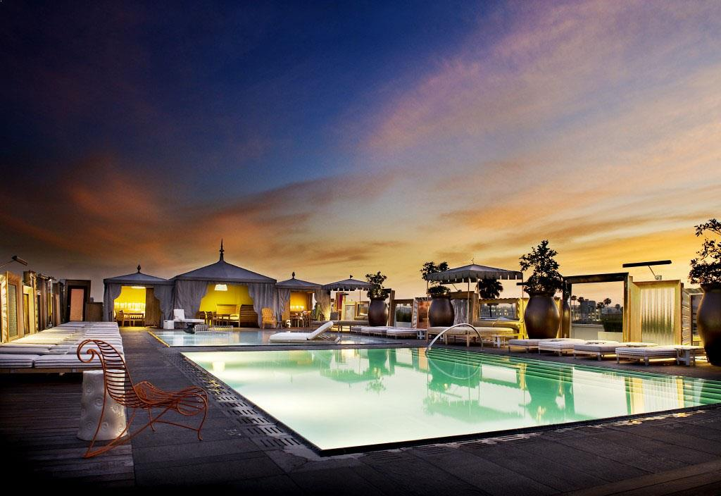 Rooftop pool in Los Angeles, Altitude Pool Deck