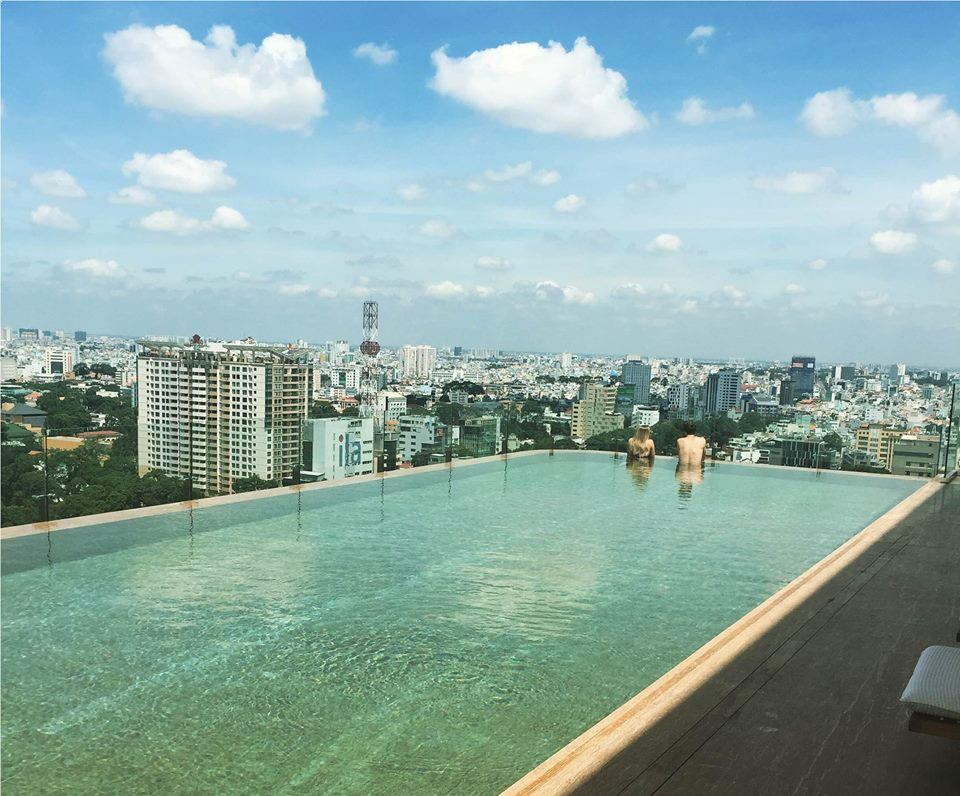 Rooftop pool in Ho Chi Minh, Hotel des Arts Saigon