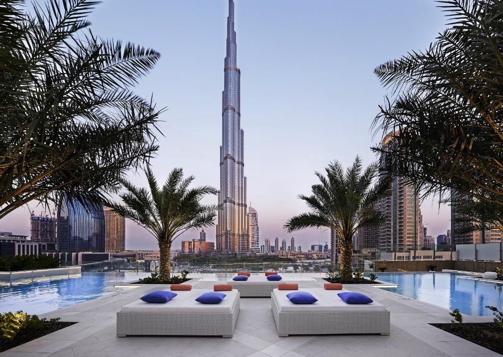 Rooftop pool in Dubai, Sofitel Downtown
