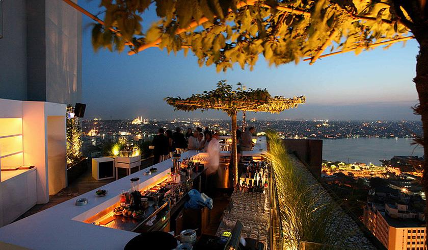 Rooftop bar Mikla in Istanbul