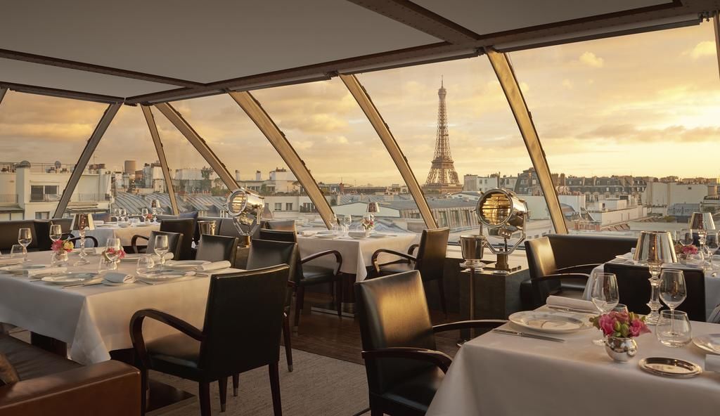 Review Of The Amazing Rooftop Restaurant Called L Oiseau Blanc And Le Rooftop At The Peninsula Paris The Rooftop Guide