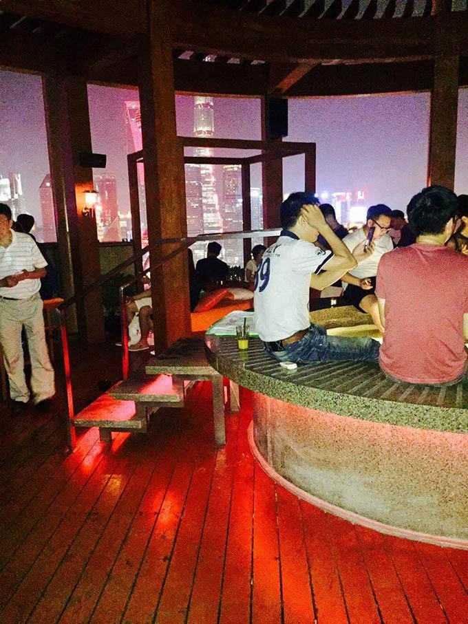 Drinks And Food At One Of The Best Rooftop Bar Sin