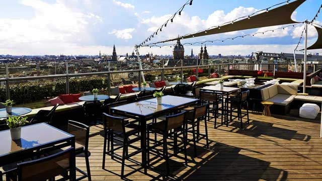 Rooftop bar Amsterdam SkyLounge