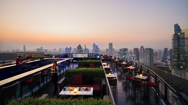 Rooftop bar Bangkok Zoom Skybar at Anantara Sathorn in Bangkok