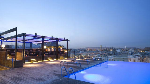 Rooftop Pool Bar : infinity rooftop pool at Grand Hotel Central in Barcelona at our top ...