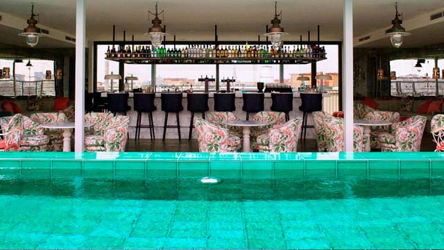soho house berlin rooftop bar in berlin the rooftop guide. Black Bedroom Furniture Sets. Home Design Ideas