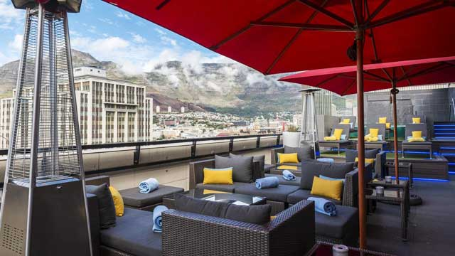 Rooftop bar Harald's Bar & Terrace at Park Inn by Radisson in Cape Town