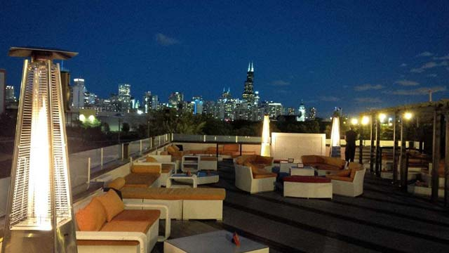 Rooftop bar Chicago ESTATE Ultra Bar in Chicago