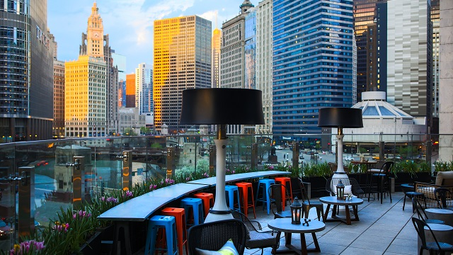 Rooftop bar Chicago Raised Bar in Chicago