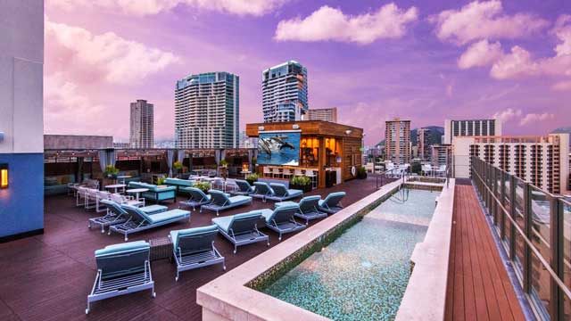Hokulani Waikiki by Hilton Grand Vacations Rooftop bar in Hawaii