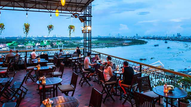 Rooftop bar Ho Chi Minh Breeze Sky Bar at Majestic Hotel in Ho Chi Minh