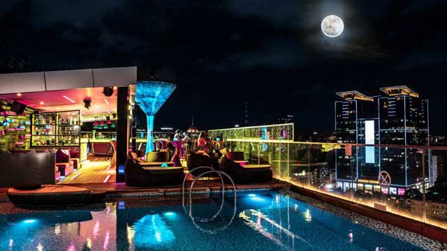 Rooftop bar Ho Chi Minh Liberty Central City Point in Ho Chi Minh