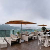 Rooftop bar Hong Kong Cielo at Crowne Plaza Kowloon in Hong Kong