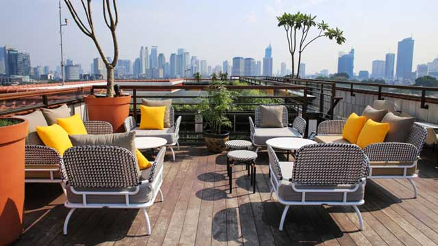 La Vue at the Hermitage Hotel - Rooftop bar in Jakarta ...