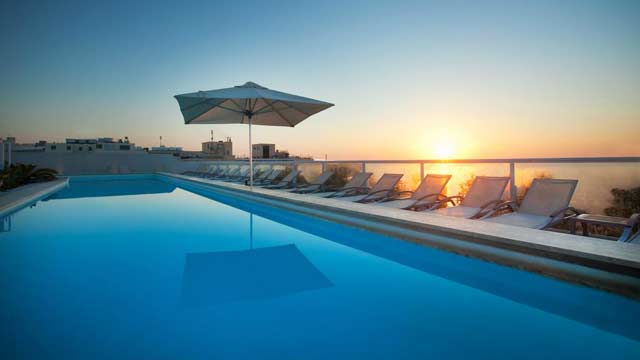 Best rooftop bars in malta 2018 complete with all info for Design boutique hotel malta