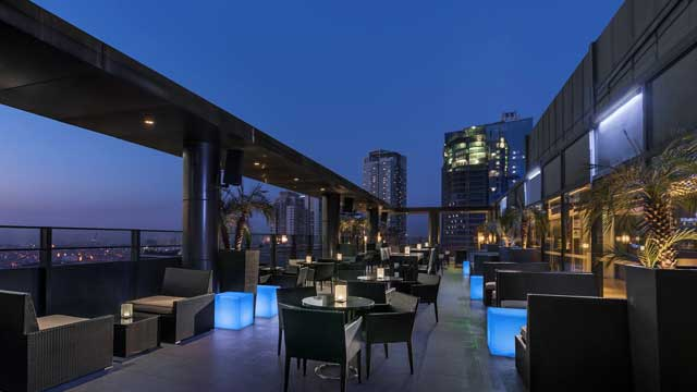 Rooftop bar Manila Straight Up in Manila