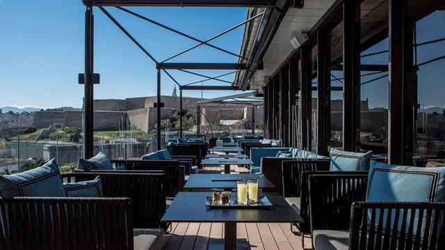 Hotel sofitel marseille vieux port rooftop bar in marseille the rooftop guide - Sofitel vieux port marseille ...