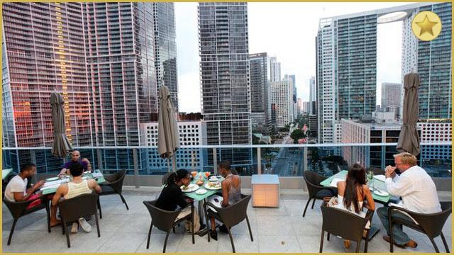Rooftop bar Miami Area 31 at the Epic Hotel in Miami