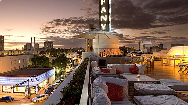 Rooftop bar Miami Spire Bar & Lounge in The Hotel in Miami