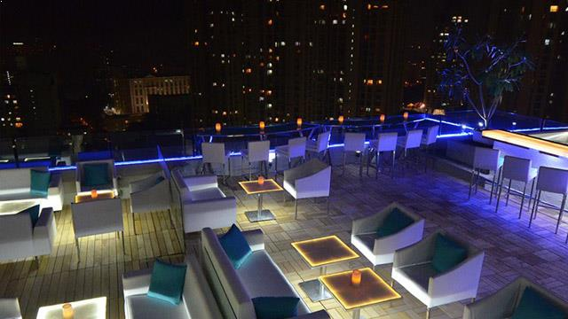 Breeze Restaurant Rooftop Bar In Mumbai