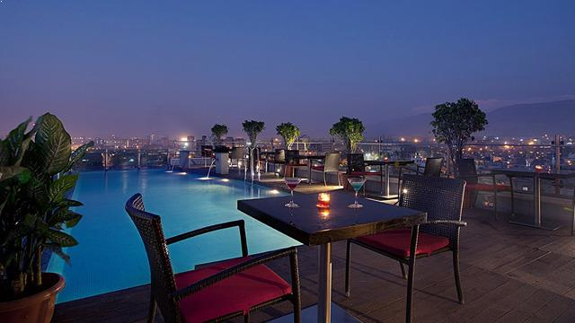 Rooftop bar Mumbai Hotel Yogi Executive in Mumbai
