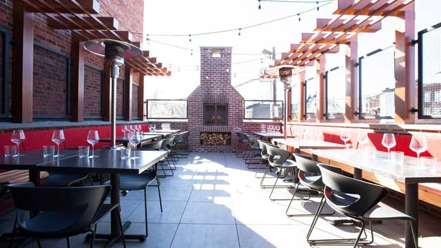 Rooftop bar Town Bar + Kitchen in New Jersey