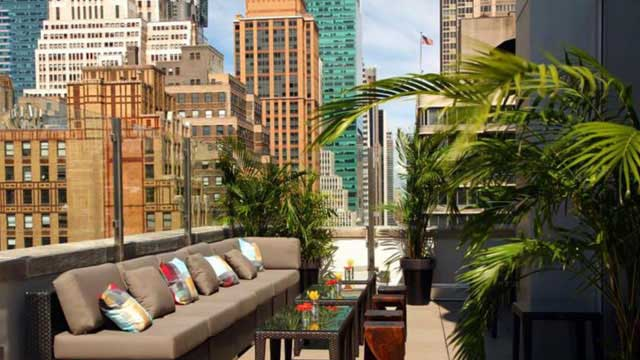Monarch Rooftop Bar - in New York, NYC | THEROOFTOPGUIDE.COM