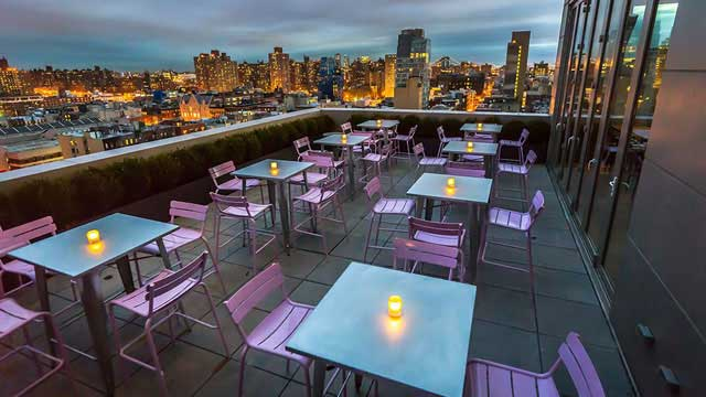 Mr Purple NYC - Rooftop bar in New York, NYC | THEROOFTOPGUIDE.COM