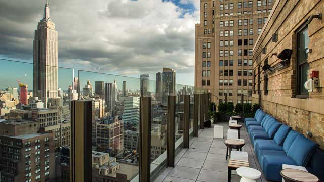 The Skylark Nyc Rooftop Bar In New York Nyc The