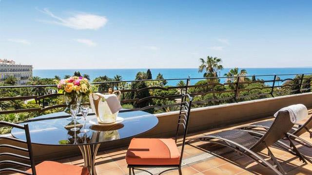 best rooftop bars in nice 2018 complete with all info. Black Bedroom Furniture Sets. Home Design Ideas