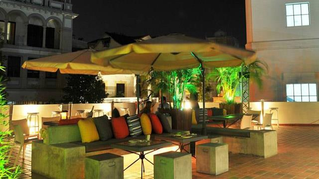 Bits Rooftop Bar In Panama City Therooftopguide Com