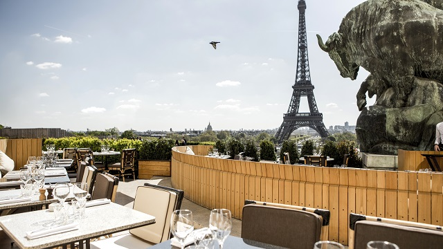 22 Best Rooftop Bars in Paris [2020 UPDATE]
