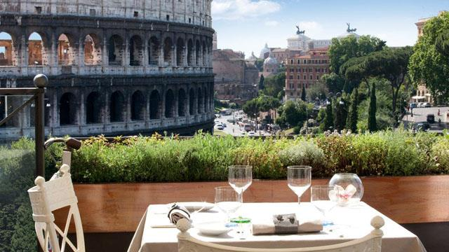 Rooftop bar Rome Aroma Restaurant at Palazzo Manfredi in Rome