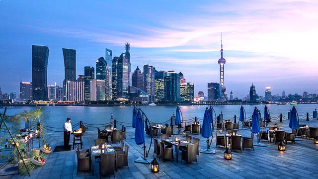 Rooftop bar Shanghai TOPS at Banyan Tree in Shanghai