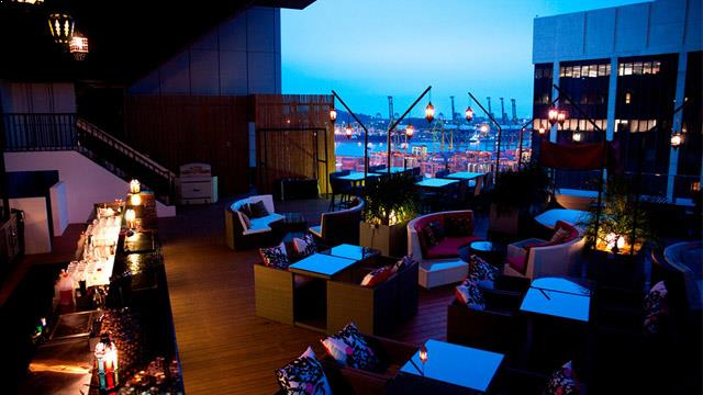 Rooftop bar Singapore Fabrika in Singapore