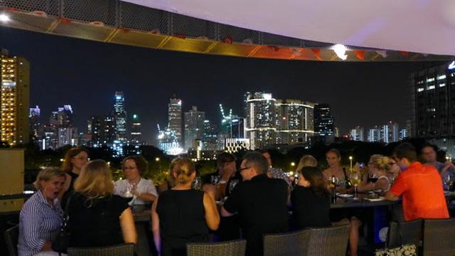 Rooftop Bar The Rabbit Stash In Singapore