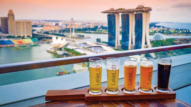 Rooftop bar Singapore LeVeL33 in Singapore