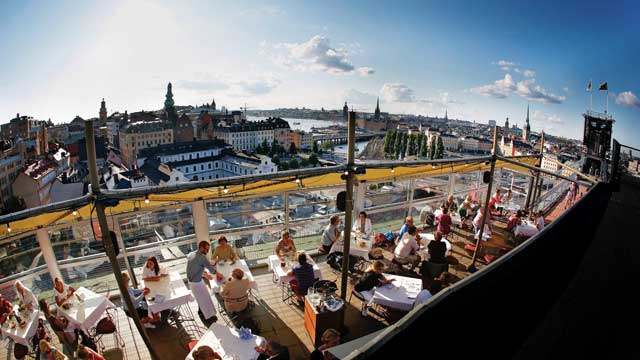 https://www.therooftopguide.com/rooftop-bars-in-stockholm/Bilder/Gondolen_5_slide.jpg