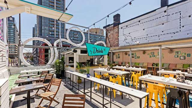 Rooftop bar Toronto Drake Sky Yard in Toronto