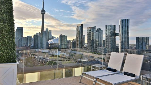 Rooftop bar Thompson Toronto Rooftop Lounge in Toronto
