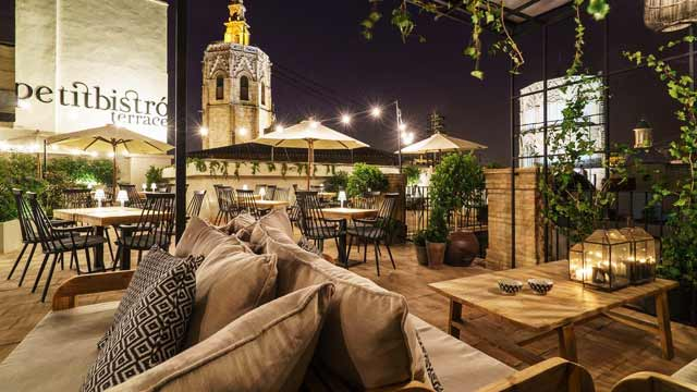 Cathedral Suites Hotel Petit Bistro Terrace Rooftop Bar In